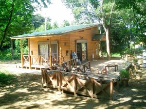 子どもたちの森プレーリーダーハウス